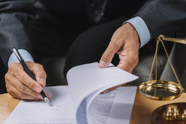 Les raisons pour faire appel à un avocat en droit des assurances